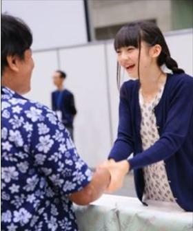 荻野由佳 握手会 画像