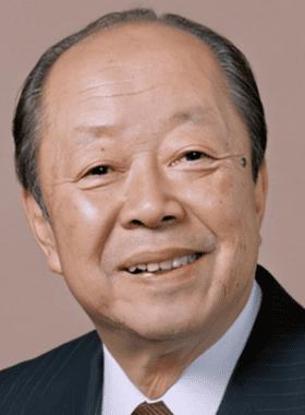 宮澤エマの祖父は元総理